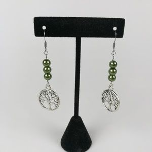 Tree earrings with green beads on stainless steel